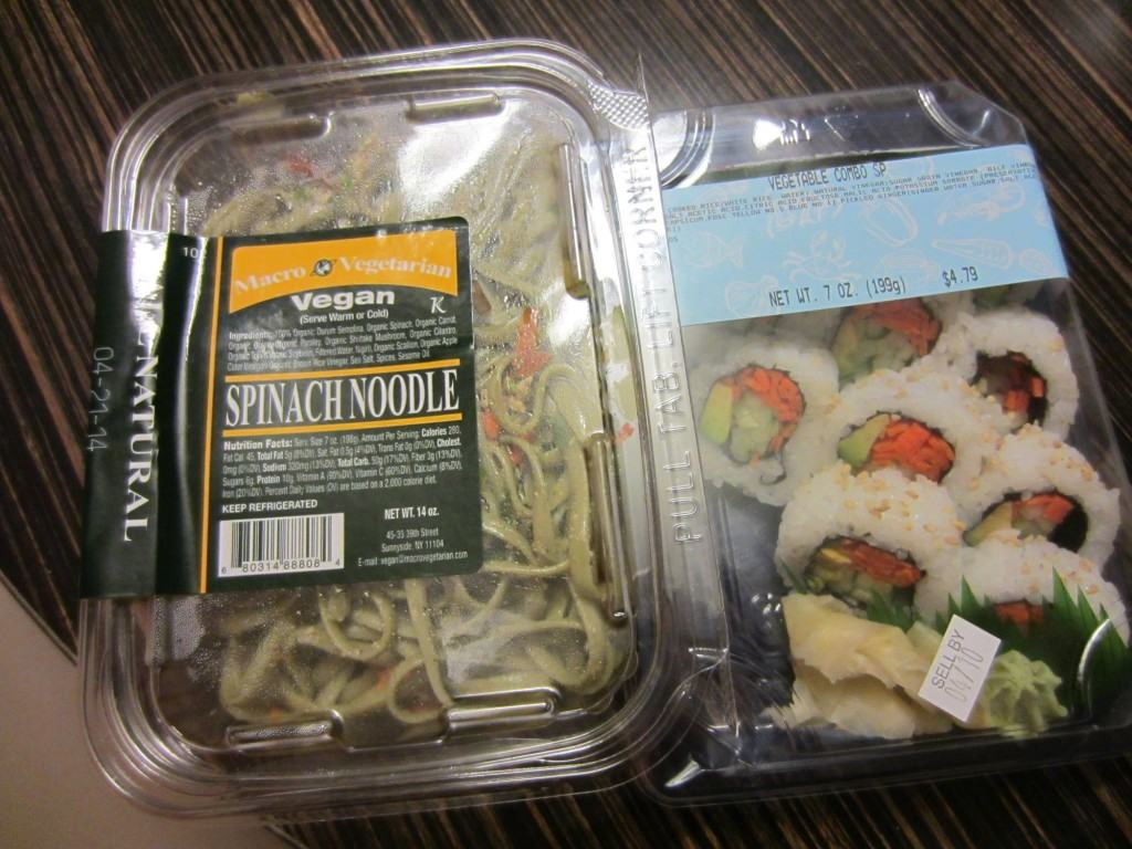 Vegan Spinach Noddles and Sushi