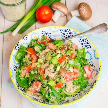 Quinoa Salad with Mushrooms and Spinach