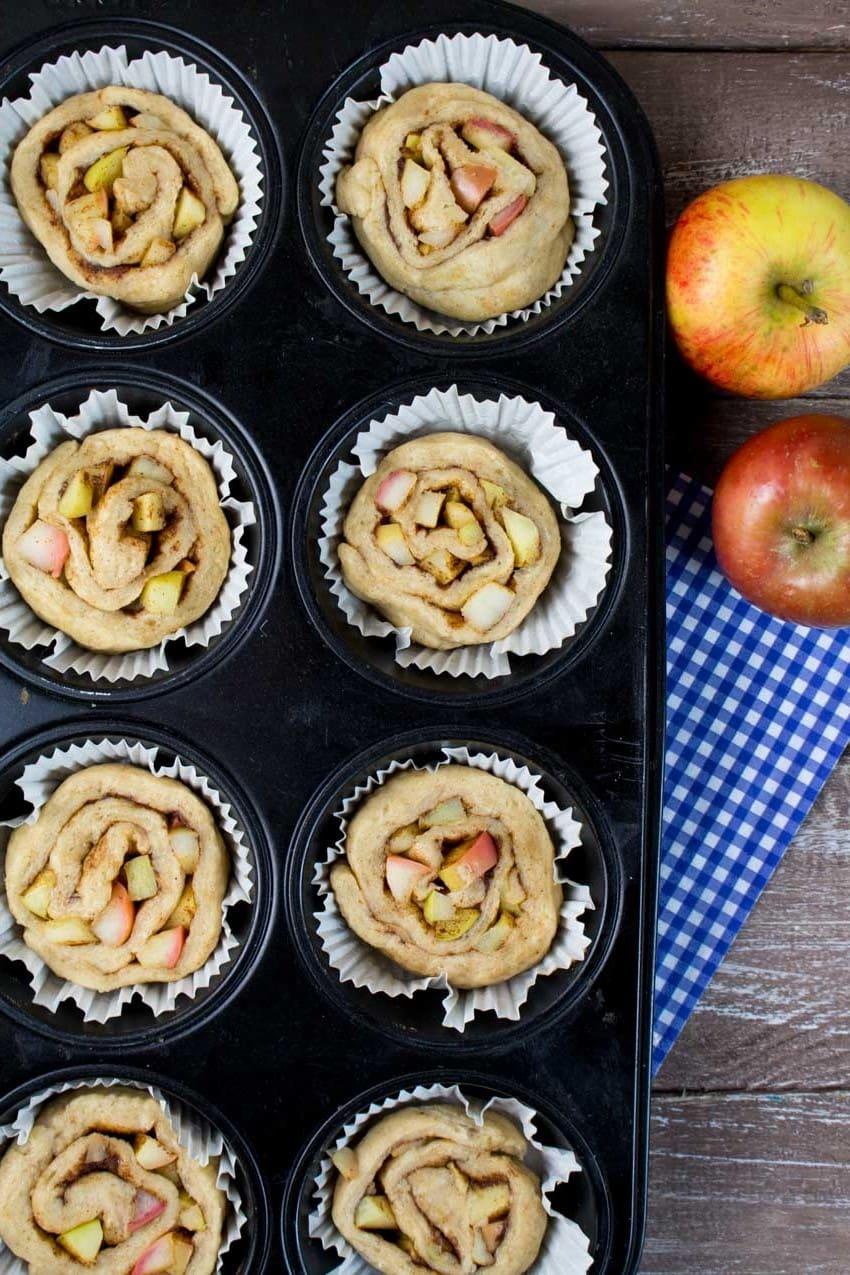 Vegan Cinnamon Rolls with Apples 8