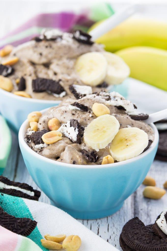 Super Easy Vegan Oreo Ice Cream