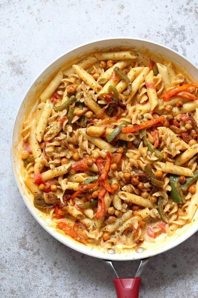 Vegan Fajita Pasta with Chickpeas in a Bowl